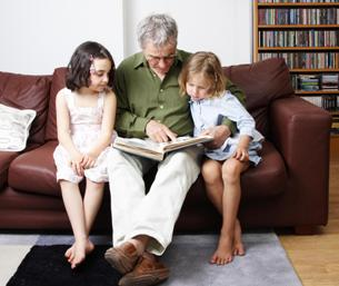sharing alzheimers symptoms with grandchildren
